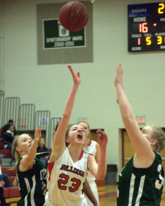 Bedford blows past Manchester Central and into D1 girls basketball quarterfinals