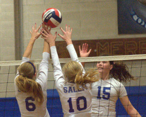 Merrimack girls volleyball holds off Salem for win