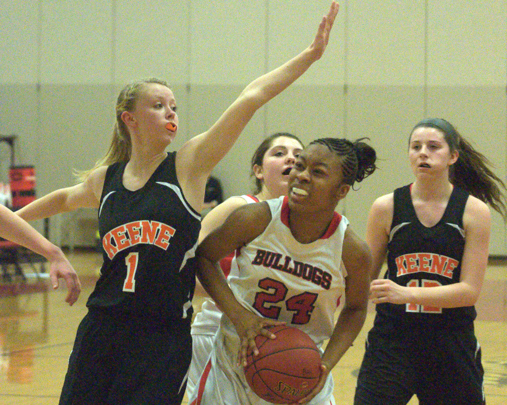 Gabrielle Hunter and Bedford advanced to the quarterfinals with a win over Keene.