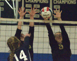 Windham girls volleyball able to hold off Milford to stay undefeated